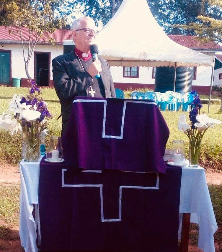 Ny ärkebiskop vald och vigd i Kenya